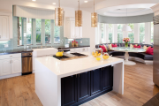 Фото 30 Дизайн кухни вдоль окна (60+ фото и идей планировки): безусловный стиль и эргономика