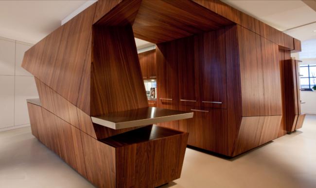 Шикарный дизайн кухонной мебели из шпонированного материала
