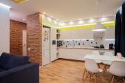 Фото 1 Дизайн кухни с нишей в стене: обзор стильных фотоидей и варианты перепланировки
