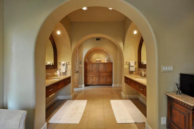 Ванная с овальными арками