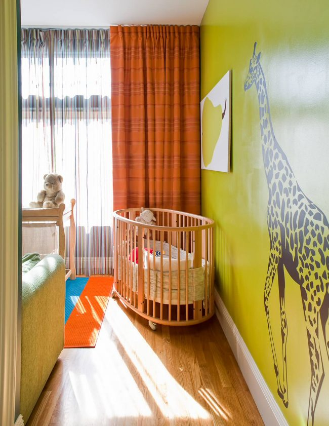 Оранжевый - второй по популярности цвет для детских