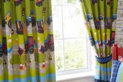 Фото 26 Как выбрать шторы в детскую комнату мальчика? Яркие идеи и советы дизайнеров