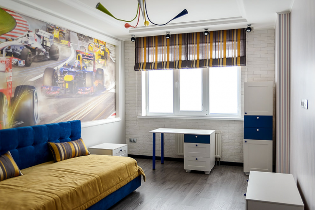 Римские шторы - это один из самых беспроигрышных вариантов оконного убранства в комнату