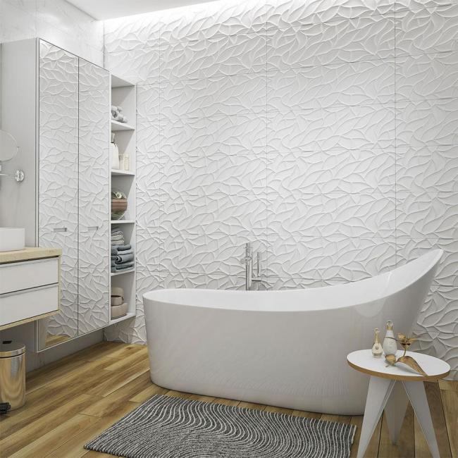 Неяркий коврик дополняет идиллию белых оттенков комнаты