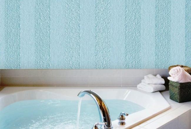 Материал для отделки ванной комнаты должен быть влагостойким