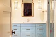 Фото 2 Стеклообои в ванной: дизайнерские особенности, преимущества и уход за ними