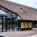 Стеклянные дома (60+ фото проектов): стильные варианты остекленных фасадов, веранд и террас фото