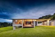 Фото 35 Строительство дома на склоне: обзор проектов, способы и особенности возведения