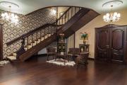 Фото 1 Тамбур в частном доме: варианты декора и обзор отделочных материалов