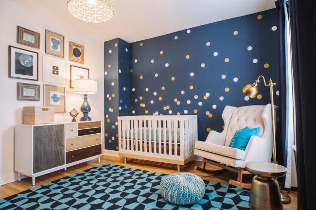 Интерьер детской комнаты для мальчика с использованием синих оттенков