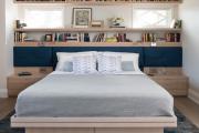 Фото 15 Шкафы в спальню над кроватью: интерьерное применение, материалыи установка
