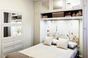Фото 27 Шкафы в спальню над кроватью: интерьерное применение, материалыи установка