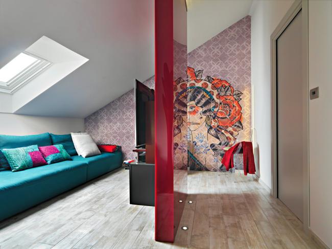 Комбинирование различных цветов в интерьере, оформленном в стиле фьюжн