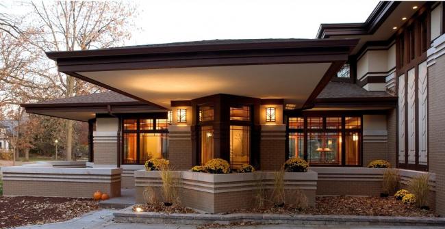 Дом в стиле прерий может быть с каменной или деревянной отделкой