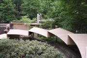 Фото 3 Обаяние антиурбанизма (50+ фото): обзор «Дома над водопадом» Фрэнка Ллойда Райта и почему он так знаменит?