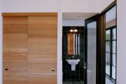 Фото 22 Как выбрать фасады для шкафов-купе? Виды, материалы и рекомендации дизайнеров