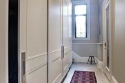 Фото 24 Как выбрать фасады для шкафов-купе? Виды, материалы и рекомендации дизайнеров