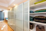 Фото 32 Как выбрать фасады для шкафов-купе? Виды, материалы и рекомендации дизайнеров