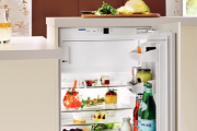 Фото 27 Встроенный в шкаф холодильник: выбор техники и виды установки для максимального комфорта