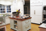 Фото 5 Встроенный в шкаф холодильник: выбор техники и виды установки для максимального комфорта
