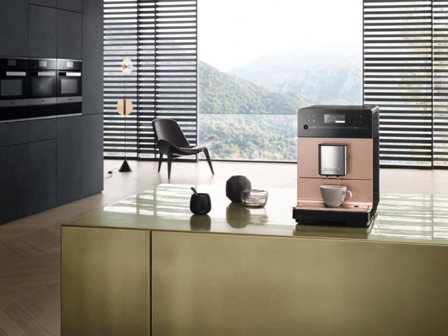 Стильная, удобная и простая в эксплуатация машина для приготовления кофе и капучино