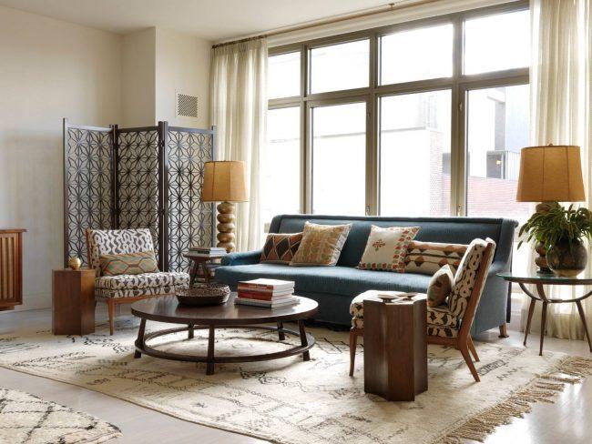 Винтажный кофейный столик - лучший выбор для гостиной в стиле модерн и кантри