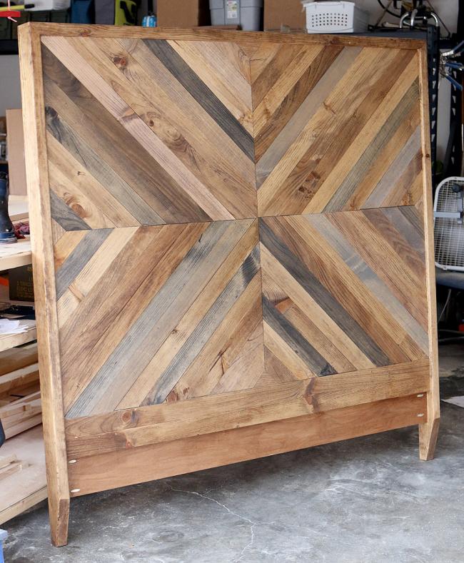 Декоративная спинка из деревянных реек
