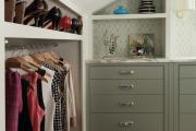 Фото 8 Полки на потолке: как сэкономить полезное пространство в квартире? Идеи и советы