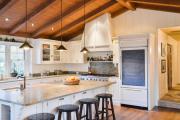 Фото 36 Полки на потолке: как сэкономить полезное пространство в квартире? Идеи и советы