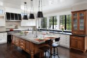 Фото 15 Элегантные кухни с темным полом: 80+ фотоидей для лаконичных и стильных кухонных интерьеров