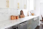 Фото 16 Элегантные кухни с темным полом: 80+ фотоидей для лаконичных и стильных кухонных интерьеров