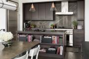 Фото 4 Элегантные кухни с темным полом: 80+ фотоидей для лаконичных и стильных кухонных интерьеров