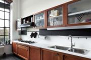 Фото 21 Элегантные кухни с темным полом: 80+ фотоидей для лаконичных и стильных кухонных интерьеров