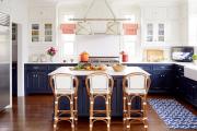Фото 2 Элегантные кухни с темным полом: 80+ фотоидей для лаконичных и стильных кухонных интерьеров