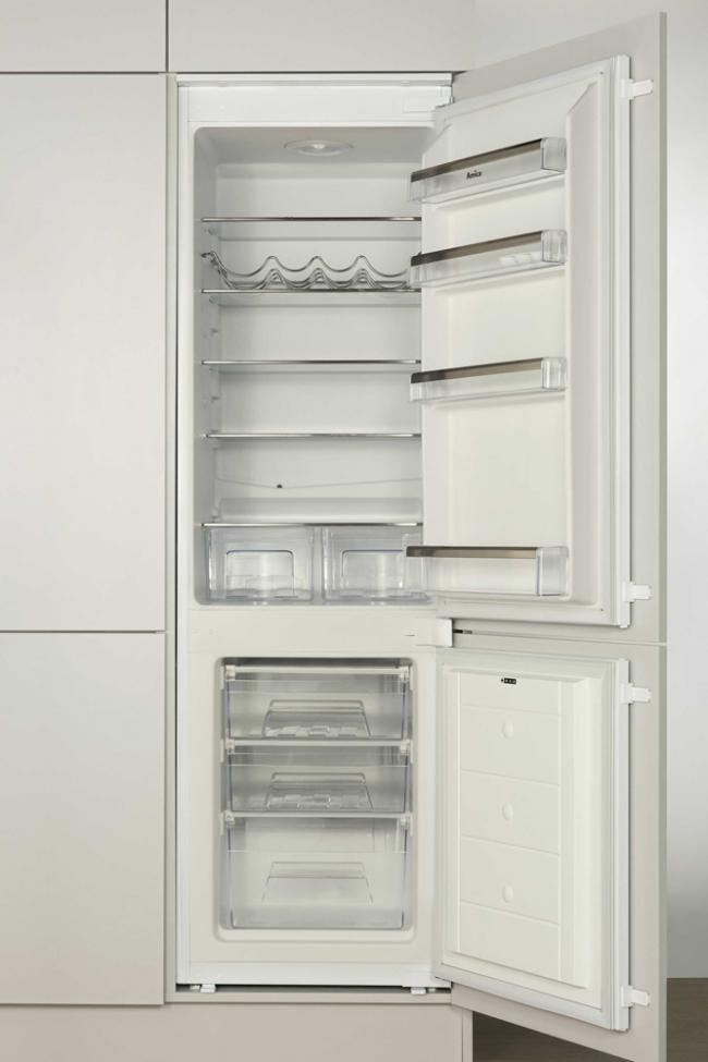 Встраиваемый холодильник Hansa ВК316.3