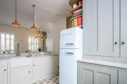 Фото 8 Выбираем узкий холодильник для кухни: рейтинг и сравнение лучших моделей 2019 года