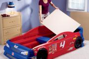 Фото 30 Детская кровать-машина для мальчика (60+ фото): критерии выбора, сравнение цен и когда ее действительно стоит покупать?