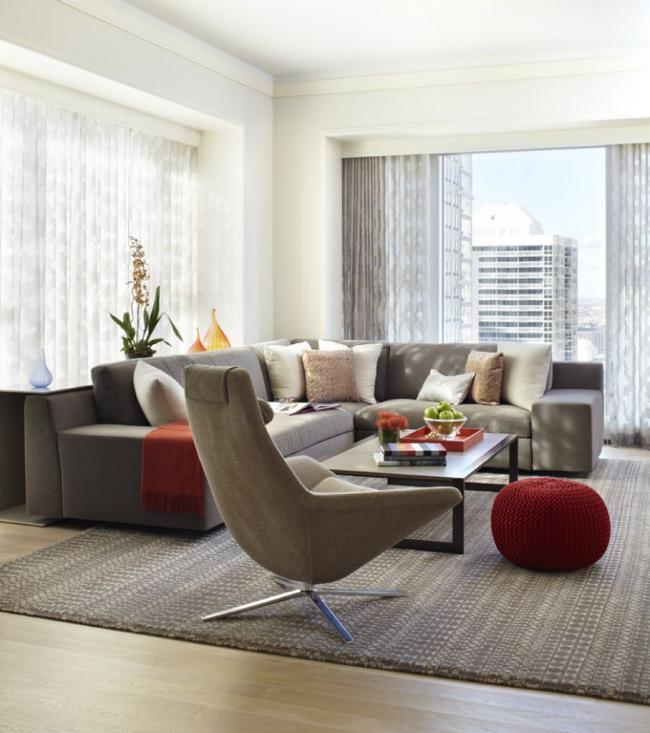Комфортное нахождение в зоне отдыха благодаря просторной мебели