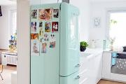 Фото 1 Курс на винтажность: обзор стильных ретро-холодильников для кухонного интерьера