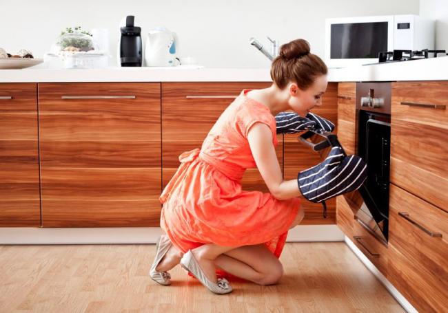 Практически все современные кухни имеют встроенные плиты с автоматической очисткой