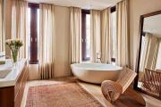 Фото 18 Жаккардовый ковер в интерьере: 65+ ярких и элегантных вариантов для гостиной и спальни