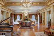 Фото 24 Жаккардовый ковер в интерьере: 65+ ярких и элегантных вариантов для гостиной и спальни