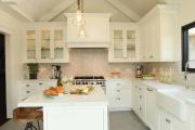 Фото 6 Дизайн кухни с бежевым фартуком: обзор стильных вариантов отделки и правильных сочетаний