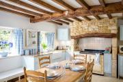 Фото 22 Дизайн кухни с бежевым фартуком: обзор стильных вариантов отделки и правильных сочетаний