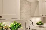 Фото 25 Дизайн кухни с бежевым фартуком: обзор стильных вариантов отделки и правильных сочетаний