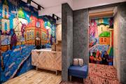 Фото 3 Оформление стен в комнате: лучшие фотоидеи и тренды 2019 года, цветовые гаммы, материалы и орнаменты