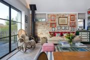 Фото 5 Оформление стен в комнате: лучшие фотоидеи и тренды 2019 года, цветовые гаммы, материалы и орнаменты