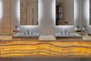 Фото 16 Освещение зеркала: 60+ реализаций в интерьере и элегантные варианты своими руками