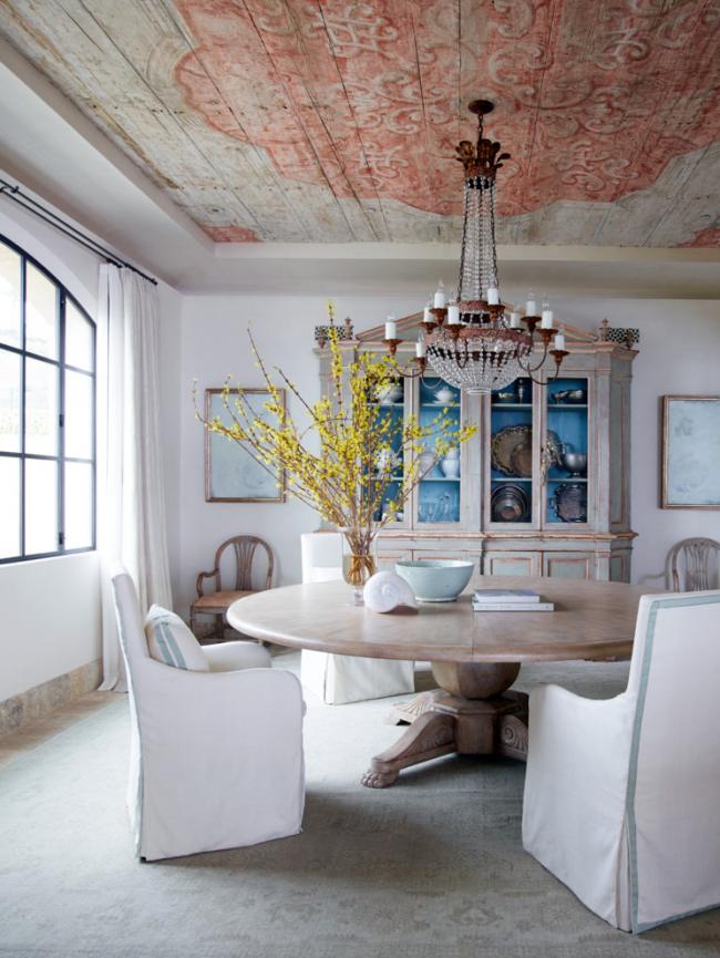 Великолепный дизайн столовой в стиле шебби-шик