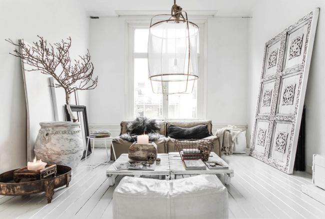 Сочетание нескольких стилей делает комнату интересной и неповторимой
